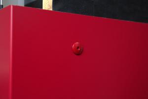 Fertig montierte Platte: Generell sollte der Handwerker darauf achten, mit der Drehmomenteinstellung zu arbeiten, um einer Dellenbildung in der Platte vorzubeugen