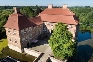 Das Schloss Oberwerries in Hamm nach der Sanierung. Dachflächen und Fassaden wurden erneuert<br /><br />