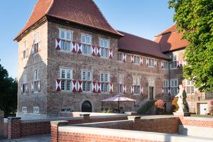 Das Schloss ist im Besitz der Stadt Hamm und ein beliebter Ort für Trauungen, Ausflüge und Tagungen