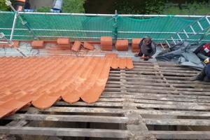 Das Dach wurde mit Hohlziegeln neu eingedeckt