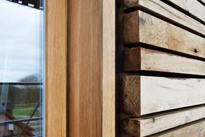 Laubholz lässt sich im Holzbau für viele Zwecke einsetzen, etwa an der Fassade. Laut einer FNR-Studie kann es Nadelholz aber nur begrenzt ersetzen