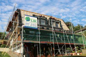 Das Haus erhielt eine PIR-Aufsparrendämmung und Neudeckung mit Tondachziegeln