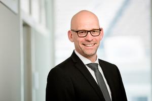 """Henning Klempp, Geschäftsführer der RÖSLE-Gruppe: """"Die Aktivitäten der Grömo Metallsysteme, also Herstellung und Vertrieb von sogenannter Meterware und Profilen, passen besser zu VM Building Solutions."""""""