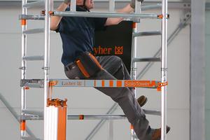Der Layher Solo Tower, ein Fahrgerüst, lässt sich von einer Person montieren. Künftig soll er sich auch in Treppenhäusern aufbauen lassen<br />