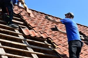 Trotz steigender Ausbildungszahlen herrscht Nachwuchsmangel im Dachdeckerhandwerk