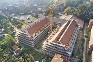 Das neue Seniorenheim in Velen bietet Platz für 80 Bewohner. Die beiden Langhäuser haben jeweils zwei parallel verlaufende Firste