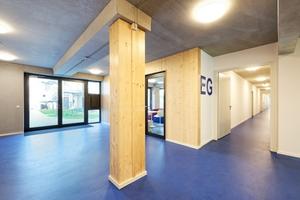 Hybridbauweise: Die tragenden Außenwände und inneren Stützen wurden in Holz umgesetzt – bei den Geschossdecken kam Stahlbeton zum Einsatz