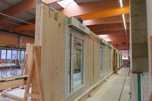Produktion der Wand-elemente in Holzbauweise bei Brüninghoff