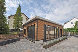 """Die Wände des 2020 errichteten Gebäudes """"Innoliving"""" bestehen aus Holz-Beton-Verbundelementen"""