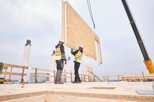 Holzwerkstoffplatten von Egger im Einsatz auf einer Baustelle