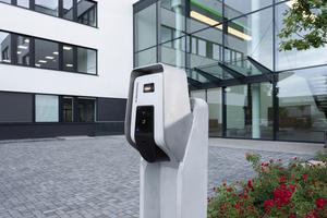 In Zusammenarbeit mit der Firma Mennekes sollen vier Wallboxen am Büro- und Gewerbekomplex Centro Tesoro installiert werden