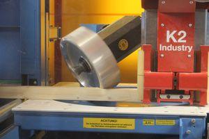 Die 5-Achs-Universalfräse ermöglicht einen schnellen Arbeitsfortschritt, da das Holz seltener umgekantet werden muss