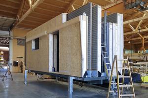 """Besonders geeignet ist der """"H-Bock"""" für den Wandelemente-Transport oder den permanenten Einsatz im Holzbaubetrieb"""