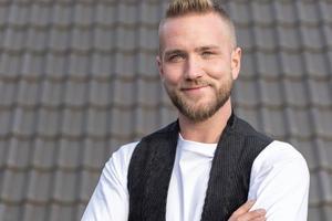 René Gößling, Dachdecker und Spengler aus Hohenlimburg, tritt ebenfalls als Gesicht und Botschafter der Messe Dach+Holz 2022 auf<br />