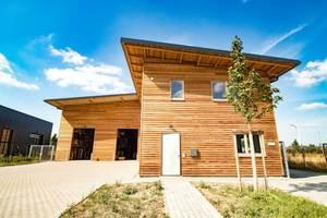 Ein Referenzprojekt der FH Finnholz ist die Gewerbehalle in Korschenbroich