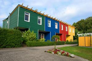 Osmo bietet Holzprofile für Fassaden schon ab einem Quadratmeter Fläche im Wunschfarbton an
