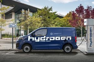 """Die Wasserstofftanks des """"Citroën e-Jumpy Hydrogen"""" lassen sich in nur drei Minuten auffüllen, das ist ähnlich schnell wie bei einer Tankfüllung eines Benzin- oder Dieselfahrzeugs"""