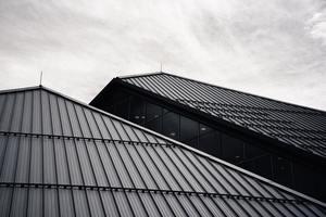 Mit Aluminiumblechen eingedecktes Steildach<br />