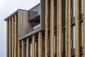 Die Fassade des Neubaus wird im Bereich der Loggia unterbrochen