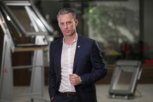 """""""Wir haben bei der Digitalisierung den Kundennutzen im Fokus"""", sagt Stephan Hettwer von der Roto Frank Dachsystem-Technologie"""