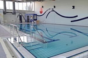 """Das Schwimmbad im Innern während der Sanierungsarbeiten<span class=""""bildnachweis"""">Foto: Gemeinde Veitshöchheim</span>"""