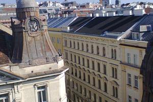 Vor der Sanierung: Die Blechdächer waren verrostet und dringend sanierungsbedürftig