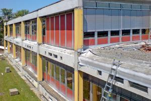 """Die Gesamtschule in Neustadt wurde energetisch saniert, zudem gab es ein neues Lichtkonzept <span class=""""bildnachweis"""">Foto: Stefan Heim</span>"""