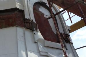 """Schritt für Schritt setzten die Handwerker die Dächer der Türme wieder instand<span class=""""bildnachweis"""">Foto: Triflex</span>"""