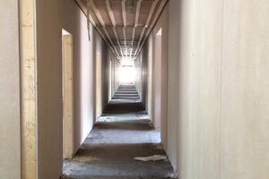 Aufrichten der Wandelemente auf der Baustelle in MünchenFoto: Objektbau Weizenegger GmbH