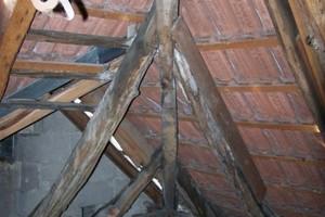 Dachraum im Fachwerkhaus vor der Sanierung<br />