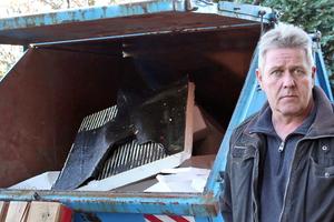 """Die Entsorgungskosten für Polystyrolplatten sind stark gestiegen. Dachdeckermeister Raimund Koch aus Münster ist darüber gar nicht glücklich<span class=""""bildnachweis"""">Fotos: Stephan Thomas</span>"""