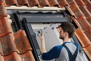 """Einbau des """"Velux Balanced Ventilation""""-Systems"""
