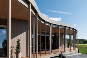 Der Dachrand wurde handwerklich sauber mit Dachrandabschlussprofilen gestaltetFoto: Lignotrend