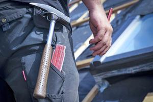 Der Mindestlohn für Dachdecker beträgt jetzt 12,05 Euro pro Stunde⇥Foto: IG Bau