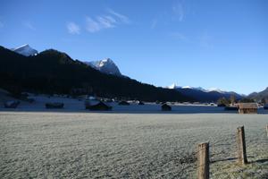 Auch das ist Garmisch, wer früh aufsteht, kann schöne Ausblicke genießen – morgens noch bei frostigen Temperaturen Foto: Rüdiger Sinn  <br /> <br /> <br />