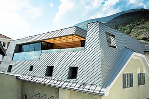 "Dachkonstruktion mit großer Terrasse<span class=""bildnachweis"">Foto: Wolfgang Croce/Prefa</span>"