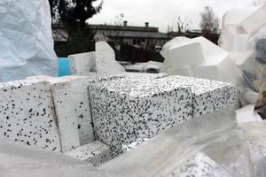 Das Entsorgen von Polystyrol-Dämmstoffen ist für viele Dachdeckerbetriebe ein Problem Foto: Stephan Thomas