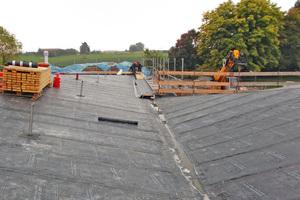 """Das Bild zeigt die unterschiedlich stark geneigten Dachflächen<span class=""""bildnachweis"""">Foto: Alfred Michel Asphalt- und Isolierbau</span>"""