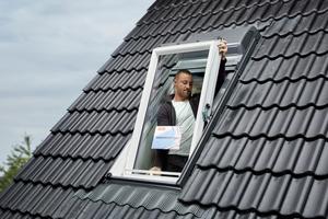 Fensterflügel wieder einhängen Fotos: Velux