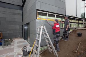 Dämmung, Unterkonstruktion und Fassadenbekleidung: alle Fassadenarbeiten erledigten die Dachdecker der Dach Schneider Weimar GmbH