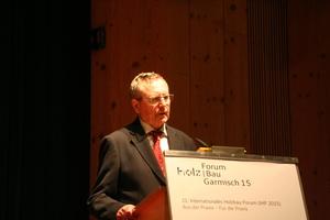 Prof. Dr.-Ing. Heinz Brüninghoff wurde auf den Holzbautagen in Garmisch für sein Lebenswerk geehrt Foto: Rüdiger Sinn <br /> <br /> <br />