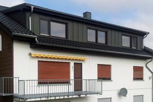 """Die Dachgeschosswohnung mit der neu installierten Gaube<div class=""""bildnachweis"""">Fotos: Bauherr/</div><div class=""""bildnachweis"""">Zimmerei und Dach-</div><div class=""""bildnachweis"""">deckerei Höhler</div>"""