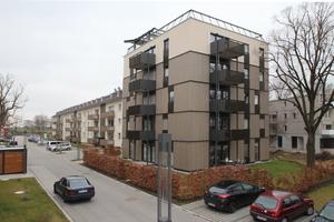 Bei dem 2013 in Holz-Beton-Hybridbauweise errichteten Fünfgeschosser handelt es sich sogar um ein Plusenergiehaus<br />Fotos: Thomas Wieckhorst