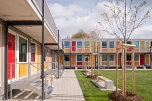 Eine Anerkennung beim Holzbaupreis Niedersachsen gab es&nbsp; für den Bau der Flüchtlingssiedlung in Hannover-Linden. Die Siedlung besteht aus vorgefertigten Holzmodulen <br /><br />