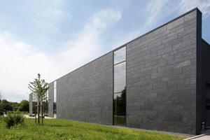 Neubau eines Schulungs-, Ausbildungs-, Test- und Logistikgebäudes der Firma König in Karlsruhe⇥Foto: Rathscheck Schiefer
