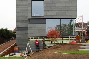 Die Handwerker der Dach Schneider Weimar GmbH sind auf Fassadenbekleidungen spezialisiert <br />